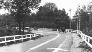 Dead Man's Curve along the Marquette–Negaunee Road in Marquette County, Michigan, shown in 1917 with its hand-painted center line. Source: Wikipedia